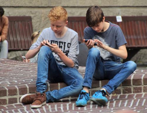 La ciencia lo dice: no hay que demonizar el uso de las pantallas en niños y adolescentes